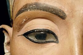 http://www.egyptian-museum-berlin.com/styles/aegyBerlinNorm/bilder/kopfbild_nofretete_auge.jpg